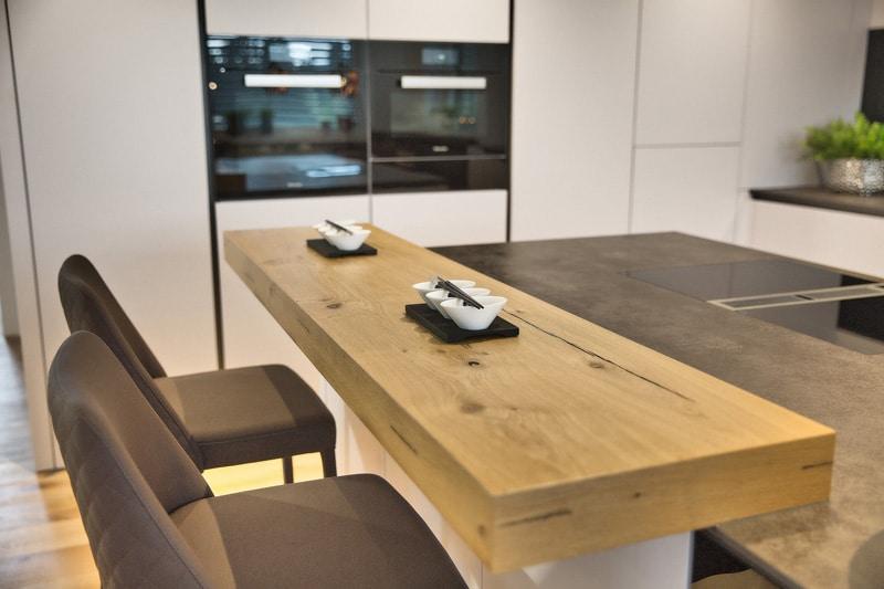 Küche mit Arctic Colorlack-Front - Eilmannsberger GmbH Rohrbach